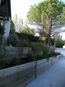 confondre terrasse et jardin sur plusieurs niveaux par. Black Bedroom Furniture Sets. Home Design Ideas