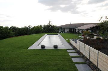 Réalisation d'une piscine couloir de nage à Gratentour